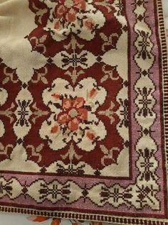Cross Stitch Embroidery, Cross Stitch Patterns, Bohemian Rug, Rugs, Crochet, Beautiful, Farmhouse Rugs, Drawings, Table Toppers