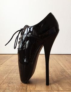 color: as shown or custom color material: synthetic material MADE TO ORDER (NOT IN STOCK) - below-ankle stiletto ballet - vertical standing makes shoes 1 or 2 size bigger than usual. Ballet Boots, Ballet Heels, Shoe Boots, Stilettos, Biker, Frauen In High Heels, Extreme High Heels, Oxford Heels, Punk
