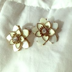 Flower Rhinestone Earrings