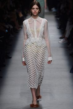 See all the Collection photos from Rochas Spring/Summer 2016 Ready-To-Wear now on British Vogue Paris Fashion Week, Fashion Show, High Fashion, Lace Dress, White Dress, Spring Summer 2016, Ball Gowns, Fashion Beauty, Ready To Wear