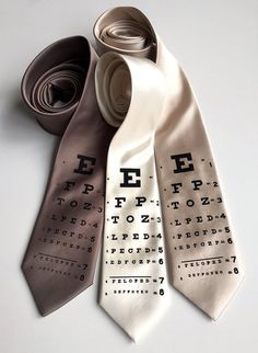 Eye Chart Necktie, Doctor gifts, tie for physician. Man with glasses , optometrist gift men, ophthal Tie Box, Eye Chart, Vintage Inspiriert, Optical Shop, Doctor Gifts, Eye Doctor, Mens Glasses, Men With Glasses, Shops