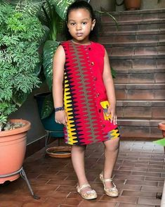 Ankara Styles For Kids, African Dresses For Kids, African Print Dresses, Baby Girl Party Dresses, Girls Dresses, Afrocentric Clothing, Baby Girl Dress Patterns, Kids Gown, African Fashion Ankara