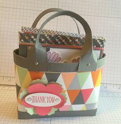 Made one of the 'Caroline Hallett' handbags with cards. Love it! Look her tutorial up on YouTube 'Caroline Hallet Baginabox Handbags & Notecards'
