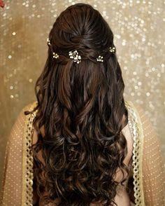 New Ideas For Indian Bridal Hairdo Wedding Hairs Hairstyles - hairstylewedding Bridal Hair Half Up, Bridal Hairdo, Hairdo Wedding, Long Hair Wedding Styles, Trendy Wedding, Wedding Makeup, Wedding Bride, Bridal Makeup, Wedding Dinner