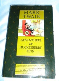 Adventures of Huckleberry Finn -Paperback (Deluxe Edition) -
