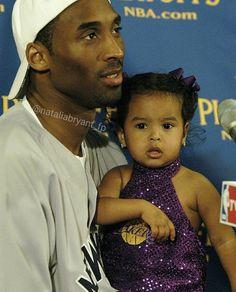 Kobe Bryant 8, Kobe Bryant Family, Lakers Kobe Bryant, Kobe Basketball, Basketball Players, Kobe Bryant Daughters, Kobe Lebron, Kobe Mamba, Kobe Bryant Pictures
