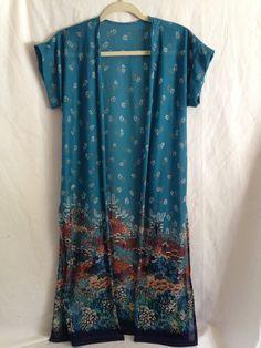 Vintage Kimono Bohemian Hippie 70s Shawl Floral Kimono Robe Boho Shrug by TheHandMeUp on Etsy