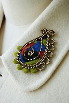 Beautiful zipper brooch❤