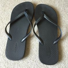 Old Navy flip flops Excellent condition Old Navy Shoes Sandals