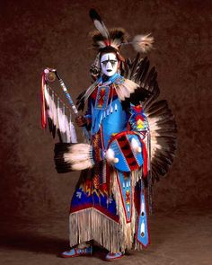 Siksika Blackfoot.  When European explorers travelled west, they most likely met the Siksiká first and assumed all Niitsítapi of the Blackfoot Confederacy were Blackfoot, which is incorrect. The four Niitsítapi nations of the Blackfoot Confederacy are the Siksiká, Káínaa (Kainai or Blood), Aapátohsipikáni (Northern Peigan), and Aamsskáápipikani (South Peigan or Montana Blackfoot). The approximate population of the Siksika Nation, as of 2009, is 6,000 people. (V)