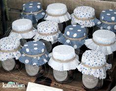 tela de tapa con frascos de dulces Crochet Decoration, Vintage Party, Baby Bunnies, Mason Jar Crafts, Baby Birthday, Baby Boy Shower, Party Favors, Diy And Crafts, Handmade