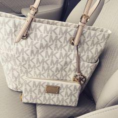 michael kors handbag <3