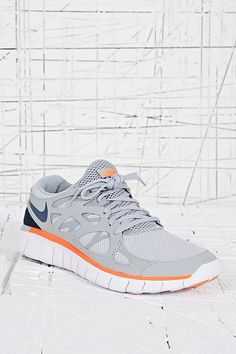 info for c17d8 fda82 Nike Free Run V2 Trainers in Grey Mujeres De Ropa Urbana, Carreras Libres  De Nike