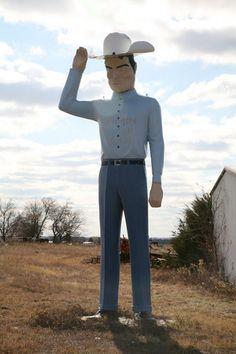 Jay Goode's Muffler Man near Sherman, Texas - Round America Trip from Atlanta to Paris and Back.