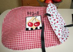 Casseole Carrier 2:  Made with 2 placemats...Super Simple & Totally Adorable