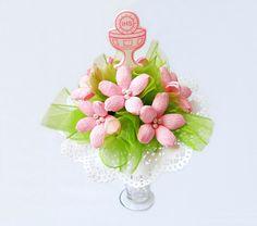 bukiet komunijny z kwiatów krepiny różowo zielony, więcej na kwiatyupominki.net