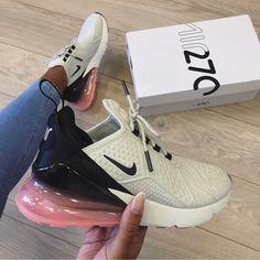 Neues Paar Nike Air Max 270 SE mit Swa Nike Shoes nike slip on sneakers for women Black Nike Sneakers, Cute Sneakers, Nike Air Shoes, Black Nikes, Nike Trainers, Shoes Sneakers, Kd Shoes, Nike Shoes Outfits, Pink Nikes