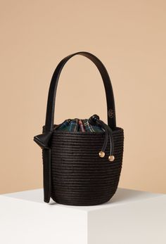 b628f772f8 Olivia Palermo has teamed up with bag brand Meli Melo on a new handbag  that s perfect for fall.