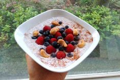 5 overnight oats oppskrifter, av Vigdis Nybø (in Norwegian) Great Recipes, Healthy Recipes, Overnight Oats, Superfoods, Acai Bowl, Healthy Lifestyle, Oatmeal, Snacks, Breakfast
