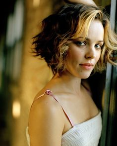 Short Wavy Haircuts for Women: Summer Hairstyle