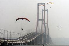 Suramadu Bridge Surabaya Indonesia [3504x2336]