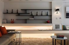 Minimalist But Stylish Living Room Shelving Ideas With Black Color ...