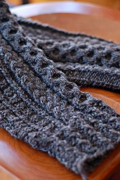 I would love to learn to knit someday....make myself some fabulous leg warmers!