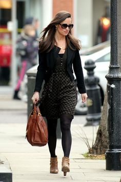 Pippa Middleton Print Dress  Pippa looked sophisticated yet comfortable in this olive green print day dress. (StyleBistro)