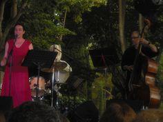 L'Eva i el Remigi durant el concert. Foto: Anna Taberner.