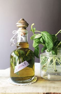 How to make flavored olive oil with basil flowers
