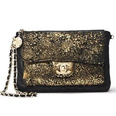 #Chanel crackling #gold purse