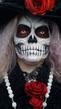 Halloween DotD makeup Sugar Skull Costume, Sugar Skull Makeup, Sugar Skull Art, Sugar Skulls, Cool Halloween Makeup, Halloween Photos, Halloween Make Up, Voodoo Makeup, Dead Makeup