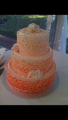 Love the buttercream icing idea for a wedding cake! From Sweet Thea Wedding Cakes