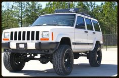 Lifted Cherokee Sport XJ For Sale - Lifted Jeep Cherokee - Built Jeep Cherokee — Davis Autosports
