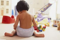 Answers to your frequently asked questions about potty training. In this answer, find out what to do when your child shows signs of regression. Reusable Diapers, Cloth Diapers, Kids And Parenting, Parenting Hacks, Potty Training Regression, Waterproof Pants, Plastic Babies, Plastic Pants, Diaper Rash
