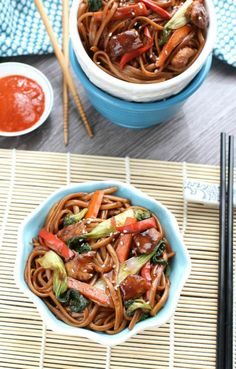 The best easy Slow Cooker Chicken Lo Mein ever. Only 15 minutes to prep. So much easier, tastier & healthier than take-out! With or without crockpot + VIDEO (baked pasta with chicken stuffed shells) Crock Pot Recipes, Slow Cooker Recipes, Cooking Recipes, Crockpot Meals, Soup Recipes, Dinner Recipes, Lo Mein Noodles, Chicken Lo Mein, Asian Recipes