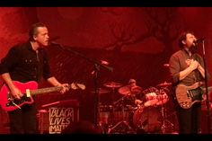 Jason Isbell Reunites With the Drive-By Truckers in Nashville [WATCH]