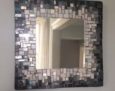 Mosaic Mirror Black and White por MEmosaicsandglass en Etsy Más Mosaic Artwork, Mirror Mosaic, Mirror Tiles, Mirror Art, Diy Mirror, Mosaic Glass, Mosaic Tiles, Glass Art, Mosaic Crafts