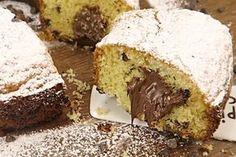 Il ciambellone di Nutella è un dolce davvero squisito che conquisterà grandi e piccini, ideale per la colazione e la merenda. Ecco come prepararlo in poco tempo