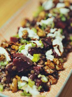 Barsista: Rote-Bete-Linsen-Salat mit Ziegenfrischkäse und karamellisierten Walnüssen