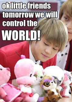 Haha cute Yoseob fits in with those teddies well I'm like where did he go lol