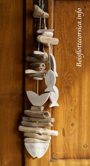 gathered sticks on my hike in greenville, gonna make something like this. Anyone got some cool beads that would complement this light colored wood? Driftwood Fish, Driftwood Crafts, Seashell Crafts, Driftwood Mobile, Sea Crafts, Nature Crafts, Wooden Projects, Diy Projects, Deco Marine