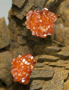 Vanadinite with Siderite