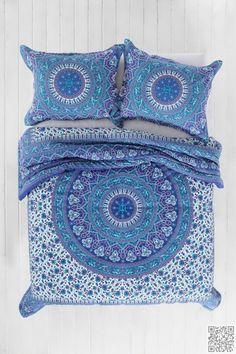 10. Lots of #Detail - 22 Fabulous Blue #Bedding Sets for Cozy Nights ... → #Lifestyle #Plain