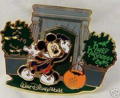Disney WDW Mickey Halloween 2005 LE 1500 Pin & Canvas Bag New$39.99