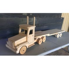 Flat-Bed 18 Wheeler from Woodworks Craftsmanship for $165.00