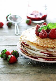 Pancake cake with strawberry whipped cream [recipe]