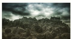 A dramatic view of the #edinburgh #castle in #scotland