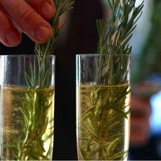 Le Cocktail Neige Chic est réalisé à base de Cidre de Glace Neige, de Gin de Neige et de cidre mousseux Smac!