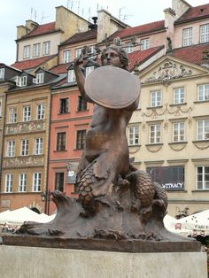 #Mermaid (Symbol of Warsaw) in the Old Town Market Place - #Poland Masovian Voivodeship #Warsaw
